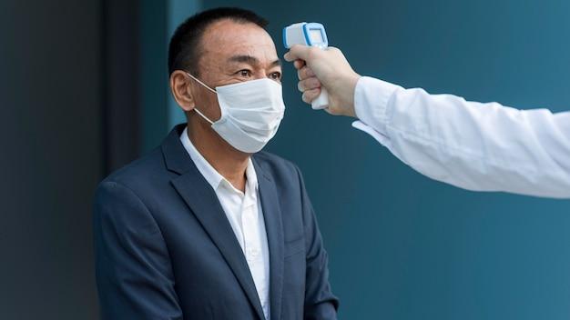 コロナウイルスのサンプル手順