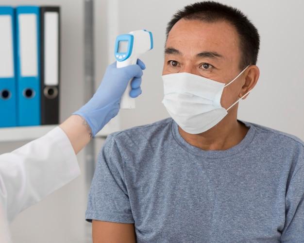 Процедура отбора проб на коронавирус