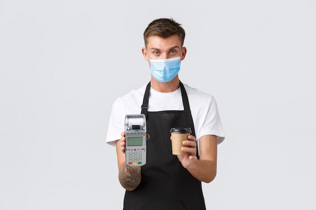 전염병 개념의 멋진 바 동안 카페와 레스토랑 비즈니스에서 코로나 바이러스 사회적 거리 ...