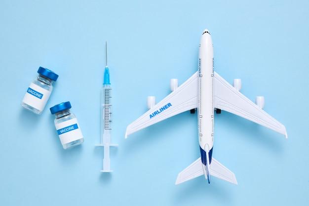 여행자 개념을 위한 코로나바이러스 예방 접종 증명서 또는 백신 여권