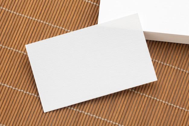 企業の文房具空白の白い名刺