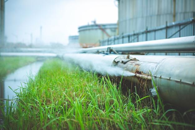 파이프라인 작은 절연체에서 소켓 튜브 증기 가스 누출을 통한 부식 녹.