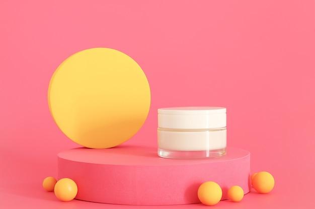 Упаковка косметического крема, стоящая на розовом подиуме. с желтыми элементами дизайна. свободное место для текста или логотипа, место для копирования. презентация крема на розовом фоне. макет.