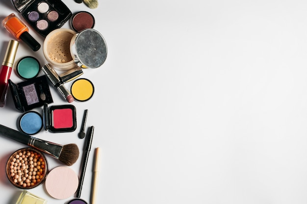 Cosmetics composition with space on right
