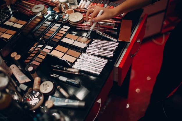 化粧品、アイシャドウ、パウダーボックス、その他の化粧品