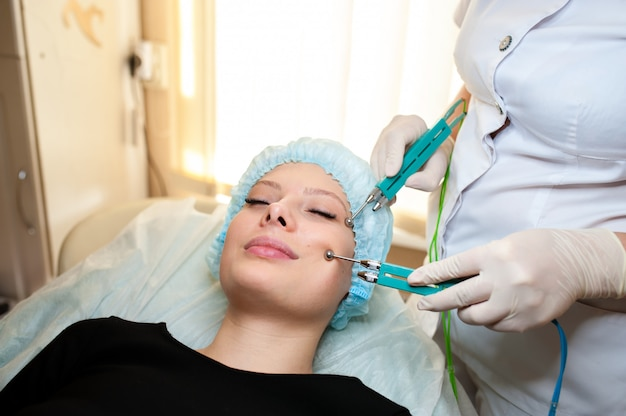 Cosmetology. hardware treatment by microcurrents.