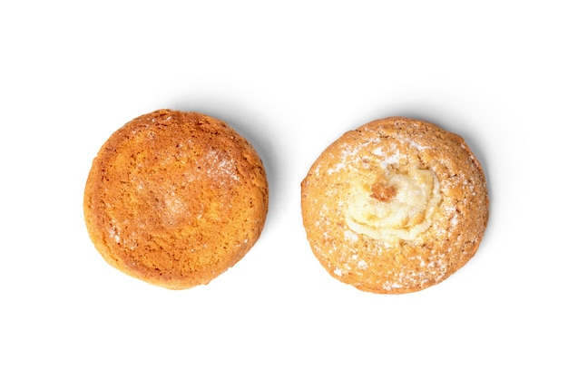 Творожное печенье (чизкейк), изолированные на белом
