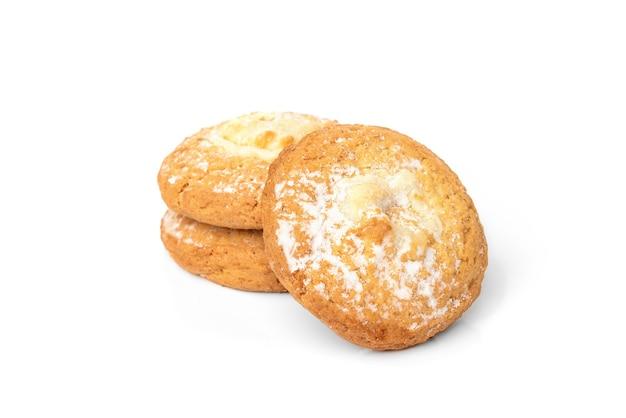 白で隔離のカッテージチーズ(チーズケーキ)クッキー