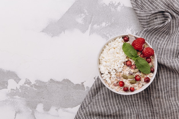 Cottage cheese with lingonberries