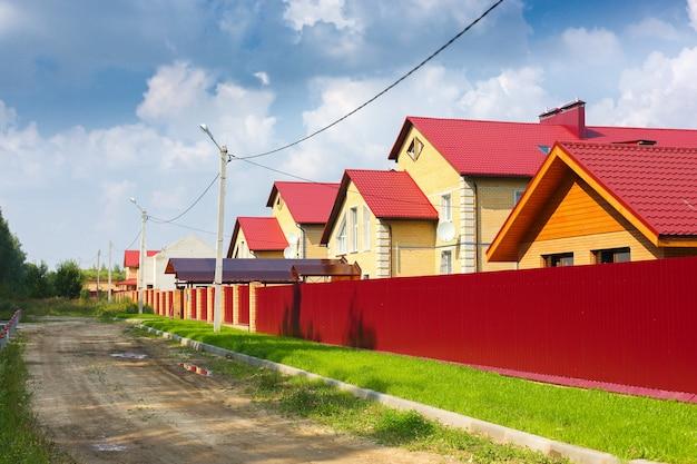Коттеджный поселок за забором