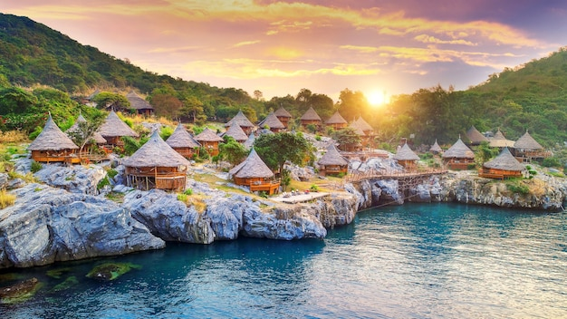 Cottage sull'isola di si chang, thailandia.