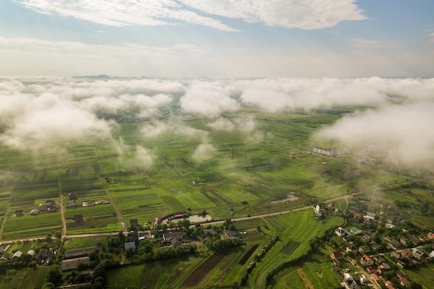 上からの田園風景。