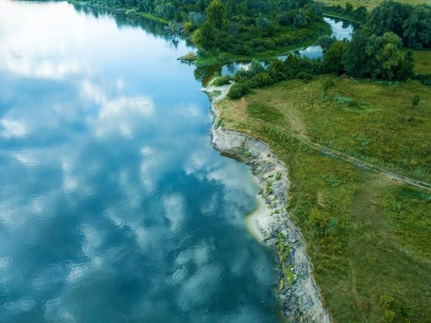 공중에서 본 시골 풍경 강 탑 뷰, 조감도 숲,