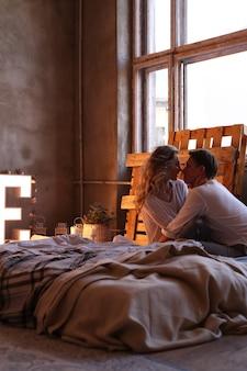 自宅でカップル