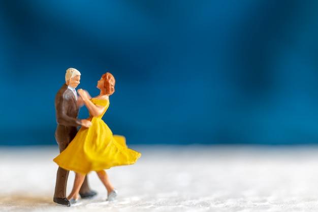 바닥, 발렌타인 데이 컨셉에 춤 커플