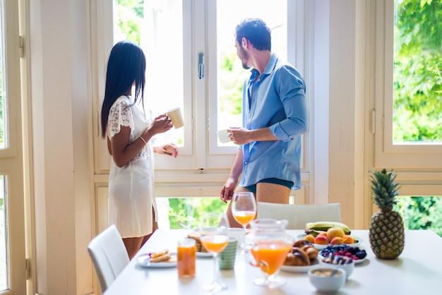 몇 집에서 아침을 먹고