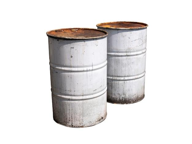 白で隔離される古い白い色の金属バレルのカップル