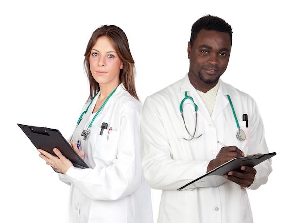 Пара молодых врачей