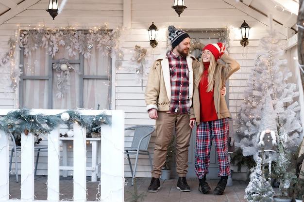 冬休みにホワイトハウスのベランダでカップル