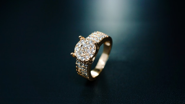 Couple ring with luxury pearl embellishment
