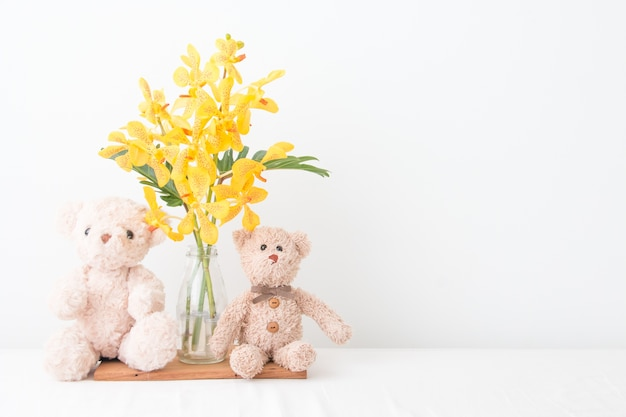 Couple teddy bear take a photo