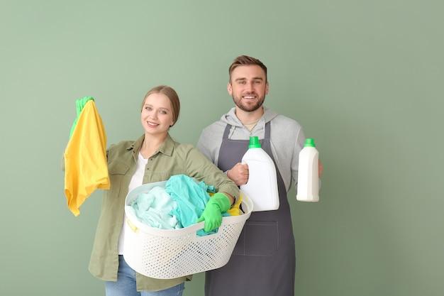 洗濯物とカップル