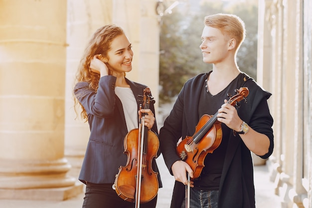 Couple with violon