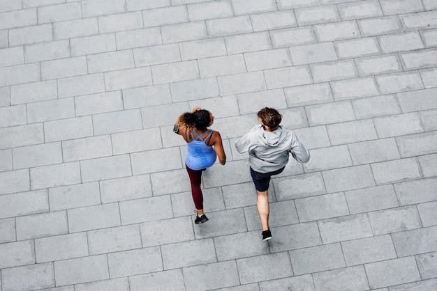Пара, тренирующаяся вместе