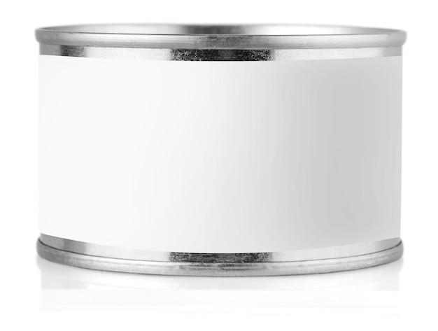 Крышка олова с этикеткой на белом фоне.