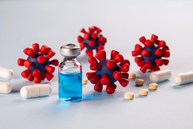 Covid-19, концепция коронавируса. препарат для лечения и профилактики новой коронирусной вирусной инфекции и модели вируса ковид-19.
