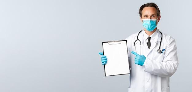 Медицинские работники по профилактике вируса covid и концепция вакцинации профессиональный врач в клинике ...