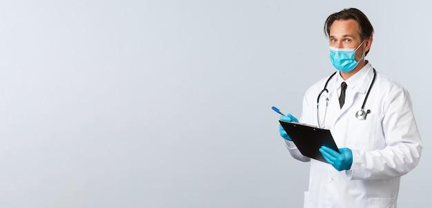 Профилактика вируса covid, работники здравоохранения и концепция вакцинации, профессиональный врач в медицинской мас ...