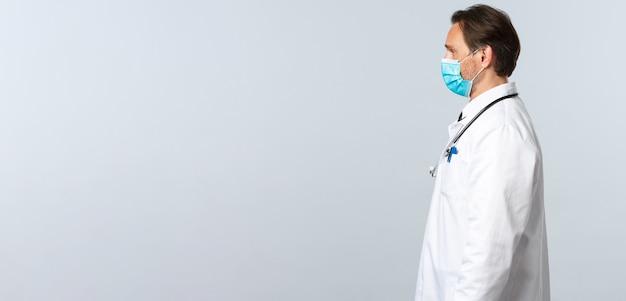Профилактика вирусов covid и профиль концепции вакцинации профессионального врача в ...