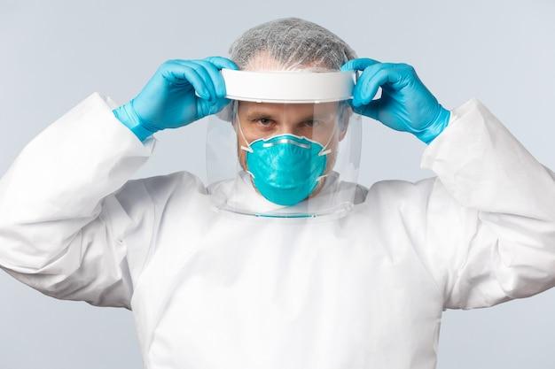 Медицинские работники от вируса covid и концепция вакцинации определили профессионального врача в личн ...