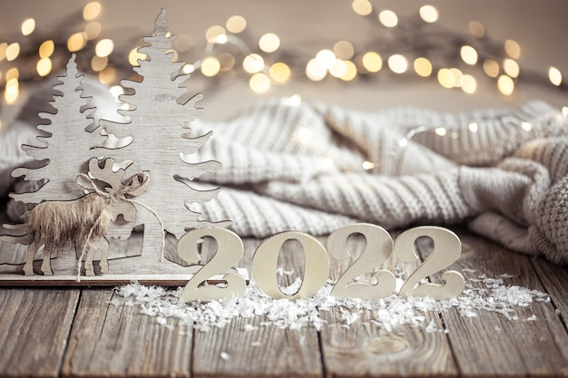 数と装飾の詳細と居心地の良いクリスマスの構成