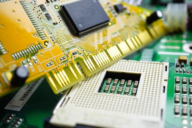 コンピュータ回路のcpuメインボードのエレクトロニクスデバイス:ハードウェアとテクノロジーの概念。