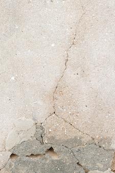 Crepa nel muro di cemento