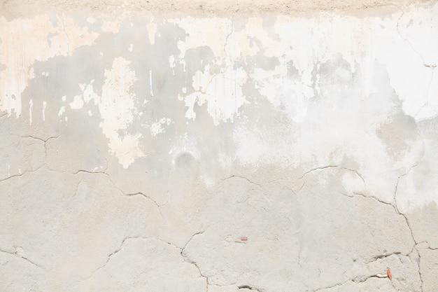 Трещины штукатурка стены