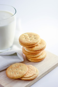 Crackers cheese with milk -03