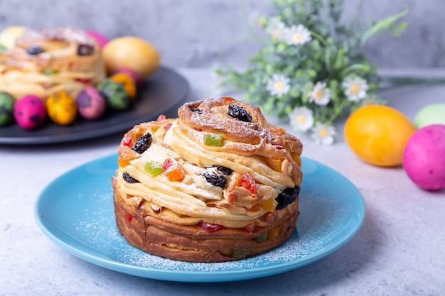 Craffin with raisins, nuts and candied fruits
