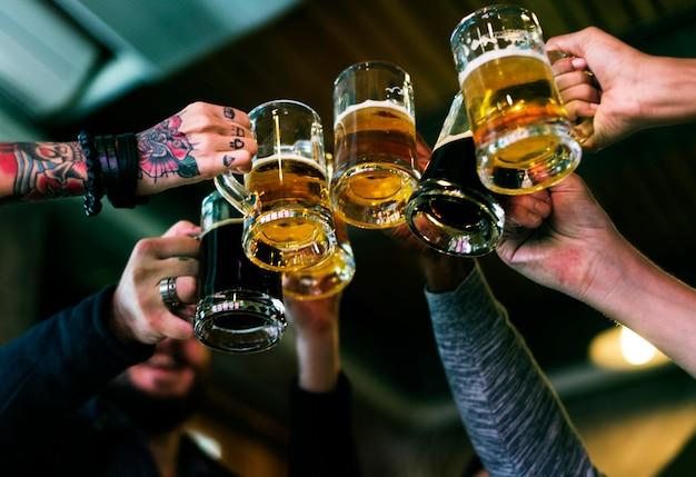 Алкоголь заваривать пиво craft beze отпраздновать освежение