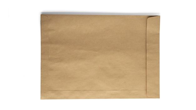 공예 봉투 흰색 배경에 고립입니다. 고품질 사진