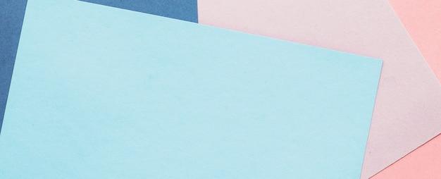 クラフト素材とクリエイティブコンセプト抽象的な白紙のテクスチャ背景文房具モックアップフラット...