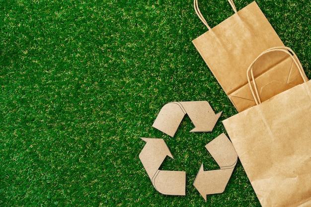 Эко-сумка из крафт-бумаги экологичная концепция потребления