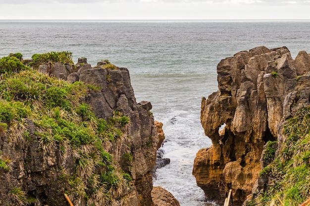 울퉁불퉁 한 해안 파파 로아 국립 공원 뉴질랜드 남섬