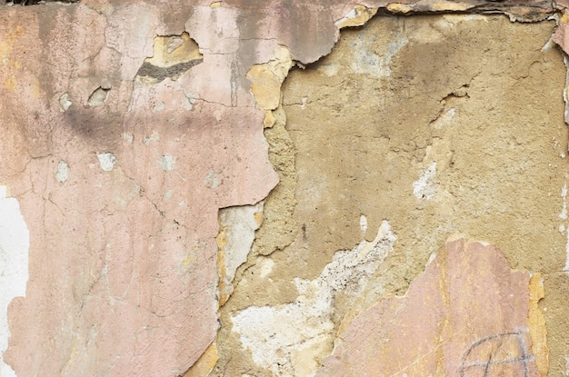 Craked stucco