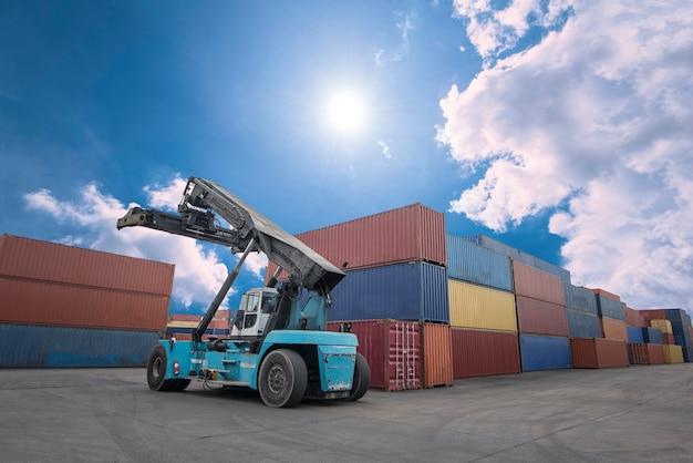 물류용 산업용 컨테이너 화물 화물선을 적재하는 크레인 기중기 핸들링 컨테이너 상자