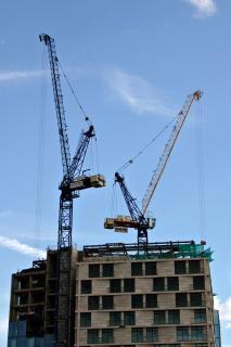 Cranes, city
