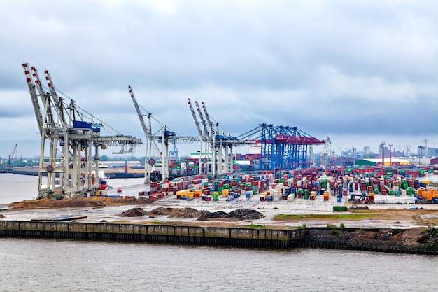 Cranes ready for loading cargo, hamburg