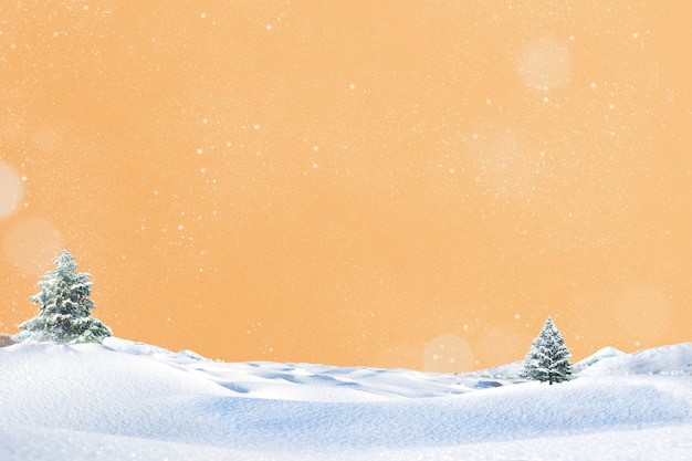 Творческая новогодняя елка со снежной рождественской концепцией
